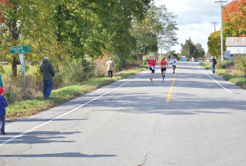 Marathon de Picton - duel avec un coureur du relais.