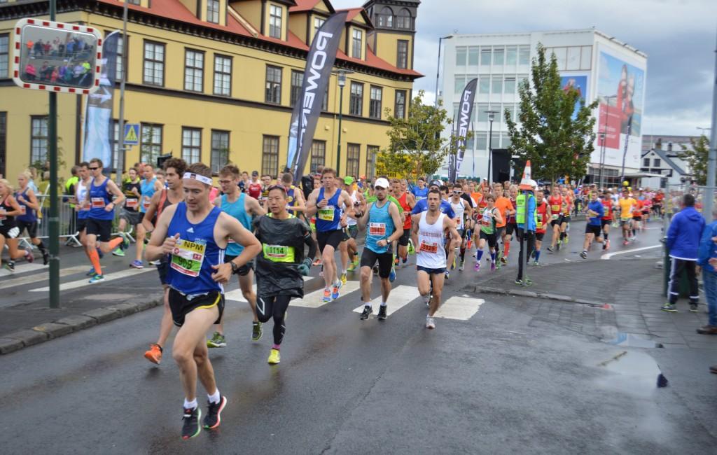 Le départ du marathon de Reykjavik 2015.